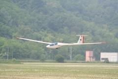 L'ASH25 di Cuccolo in atterraggio